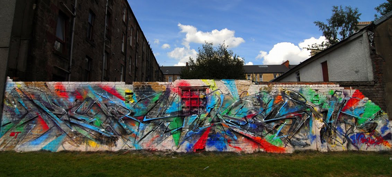 Persue and Poesia Glasgow Mural